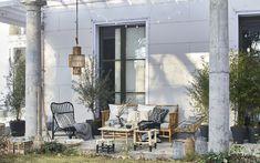 Outdoor Spaces, Outdoor Chairs, Indoor Outdoor, Outdoor Living, Outdoor Decor, Garden Tub, Balcony Garden, Home And Garden, Sunken Tub