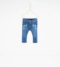 Geborduurde jeans