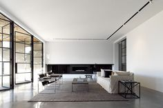 amazing doors. Bellevue house by Luigi Rosselli Architects