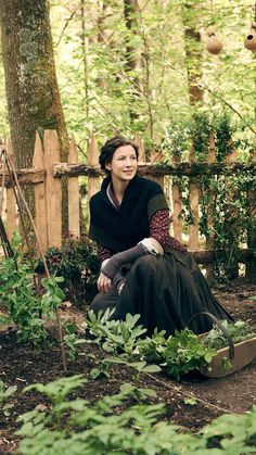 Caitriona Balfe as Claire Fraser of Outlander_Starz Season 4 Drums of Autumn - posted up October 2018 Claire Fraser, Jamie Fraser, Jamie And Claire, Diana Gabaldon Outlander Series, Outlander Tv Series, Outlander Novel, Outlander Casting, Outlander Knitting, Outlander Quotes