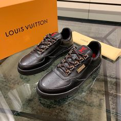 This is the latest style of ! Lv Men Shoes, Men's Shoes, Latest Fashion, Mens Fashion, Fashion Trends, Louis Vuitton Shoes, Shoe Collection, Vans, Footwear