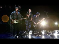 Demi Lovato and The Vamps Perform 'Somebody to You' - YouTube