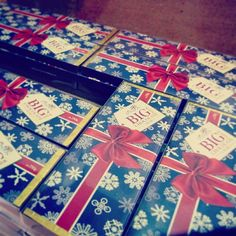 It's the 1st of December which means it's now acceptable for everything Christmas! Check out The London Deli Co's deliciously festive Big Chocolate Milk Bars on Regent Street London!  #chocolate #christmas #presents #present #gift #gifts #london #regentstreet #tasty #delicious #eat #yum #yummy #nom #scrumptious #food #foodie #shopping #shop #festive #handmade #sweet #december