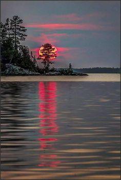 Beautiful moon, beautiful sunrise, beautiful world, red sunset, winter suns Beautiful World, Beautiful Images, Landscape Photography, Nature Photography, Snapshot Photography, Travel Photography, Image Nature, Beautiful Sunrise, Beautiful Moon