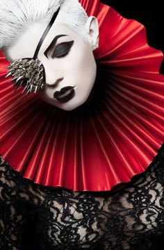 Dark / Bold / Eyepatch / Red Collar / Rich / Black Lace