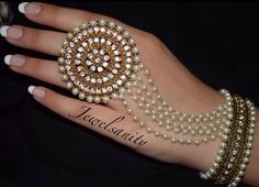 Hand Jewellery by - Thanks for the tag! To be featured tag Indian Bridal Jewelry Sets, Indian Jewelry Earrings, Bridal Bangles, Jewelry Design Earrings, Hand Jewelry, Wedding Jewelry, Bridal Jewellery Collections, Wedding Accessories, Indian Accessories