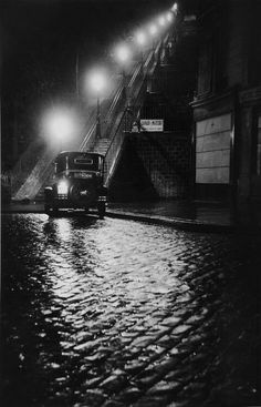 Willy Ronis Rue Muller, Montmartre, Paris 1934