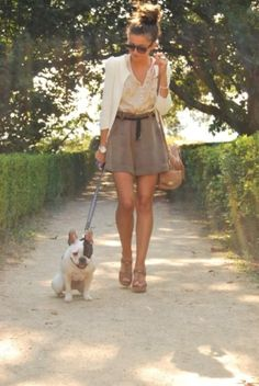 I love this outfit! And the puppy! I would so wear it!!! Well not the puppy the outfit lol!