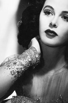 .Hedy Lamarr