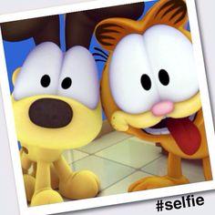Mai nap selfie,csak hogy jo legyen a kedvunk :D