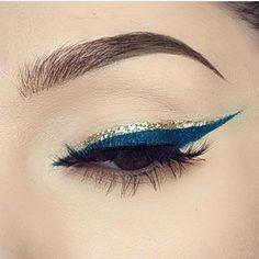 Blue and gold liner - Best Nail Art No Eyeliner Makeup, Eye Makeup Tips, Makeup Goals, Skin Makeup, Blue Eye Makeup, Fancy Makeup, Glam Makeup, Makeup Inspo, Makeup Inspiration