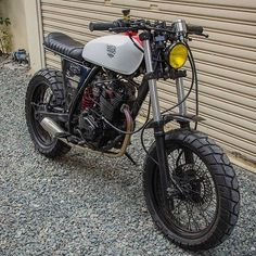 "Thumper Love:  Honda XR200 ""Diablo"" #tracker by @tpgcustombuild. #xr200 #200cc #scrambler"