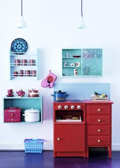 play kitchen, lots of drawers