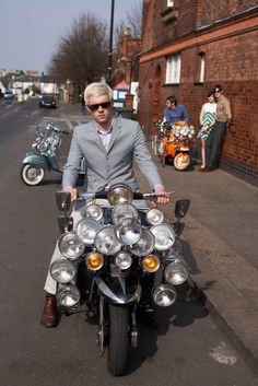 The Mods are Here: A Vespa Subculture and Lifestyle. Mod Scooter, Lambretta Scooter, Vespa Scooters, Urban Tribes, Motor Scooters, 60s Mod, Mod Fashion, Way Of Life, 21st Century