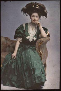 VINTAGE BLOG: Woman in Green Dress 1908