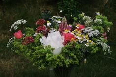 Spring Bouquet, Bouquets, Floral Wreath, Wreaths, Plants, Home Decor, Homemade Home Decor, Bouquet, Door Wreaths