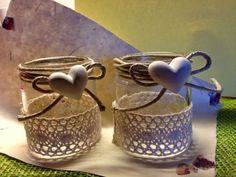 Cute idea for decorating small jars to hold votives for christmas village. Mason Jar Crafts, Mason Jar Diy, Bottle Crafts, Bottles And Jars, Glass Jars, Creation Deco, Burlap Crafts, Bottle Art, Diy Crafts To Sell