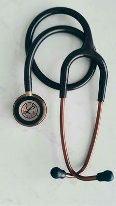 Littmann Classic III Stethoscope Chocolate Copper finish best stethoscope for nurses in 2020 Physician Assistant, Medical Assistant, Best Stethoscope For Nurses, Doctors Stethoscope, Littmann Cardiology, Medical Wallpaper, Nursing Wallpaper, Medicine Student, Studying Medicine