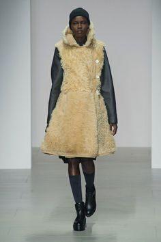 London FW FW 2014/15 – Christopher Raeburn. See all fashion show on: http://www.bmmag.it/sfilate/london-fw-fw-201415-christopher-raeburn-2/ #fall #winter #FW #catwalk #fashionshow #womansfashion #woman #fashion #style #look #collection #LondonFW #christopherraeburn @Christopher Raeburn
