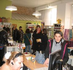 25/02/14. Les Carmes. Le commerce équitable des «Artisans du monde». LIRE http://www.ladepeche.fr/article/2014/02/25/1826155-les-carmes-le-commerce-equitable-des-artisans-du-monde.html