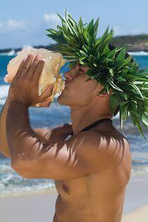 Blowing a conch shell to signal the beginning of an event. Hawaii Honeymoon, Hawaii Vacation, Hawaii Travel, Vacation Trips, Dream Vacations, Vacation Spots, Hawaii Wedding, Hawaii Life, Aloha Hawaii