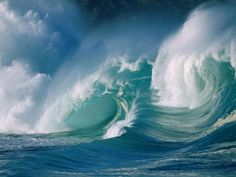 20 Impressive Examples of Ocean Waves Photography | InspireFirst