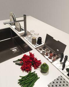 EASYRACK KITCHEN FLAT Canale attrezzato per cucina by DOMUSOMNIA/Easyrack Kitchen Flat is a equipped track for your kitchen by DOMUSOMNIA
