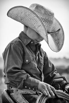 Dan Ballard Photography -- This little man is adorable! | photographyblogger.net