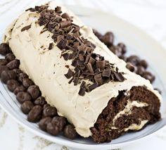 Chocolate Swiss roll with Irish coffee / Irish coffee -kääretorttu Chocolate Swiss Roll, Tasty Chocolate Cake, Irish Coffee, Love Cake, Balanced Diet, Swiss Rolls, Deserts, Food And Drink, Sweets