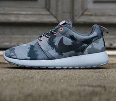 Nike WMNS Roshe Run Print – Grey Camo