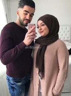 Sanii Cute Couple Pictures, Mode Hijab, Muslim Couples, Hijab Fashion, Cute Couples, Turtle Neck, Places, Sweaters, Sweater