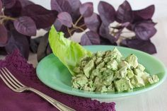 Low FODMAP Green Goddess Chicken Salad is a perfect lunch or high protein snack. Easy to make with our lactose-free Green Goddess Dressing. You can eat well Fodmap Diet, Low Fodmap, High Protein Snacks, Green Goddess, Fodmap Recipes, Gluten Free Chicken, How To Make Salad, Chicken Salad, Green Beans
