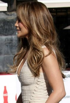 Jennifer Lopez Layered Long Hairstyle - Hairstyles Weekly Side View of Jennifer Lopez Hairstyles Hair Styles 2014, Medium Hair Styles, Long Hair Styles, Fancy Hairstyles, Latest Hairstyles, Oprah Winfrey, Carmel Hair, Long Hair With Bangs, Long Layered Hair