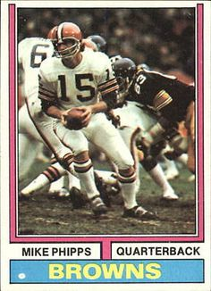 1974 Topps Cleveland Browns Football Card #87 Mike Phipps - NM