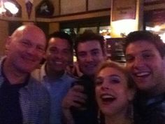 Can't wait for the show now in Chicago!! Afterwards, time to check out the city with this lot!! Colm Keegan @celticCK pic.twitter