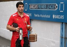 Luis Suarez with his Uruguayan yerba maté #tea while arriving at Selhurst Park. #celebrities #football