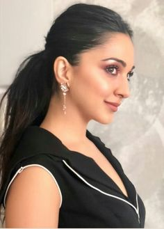Indian Bollywood Actress, Bollywood Girls, Beautiful Bollywood Actress, Most Beautiful Indian Actress, Indian Actresses, Beautiful Actresses, Bollywood Heroine, Bollywood Stars, Beauty Full Girl