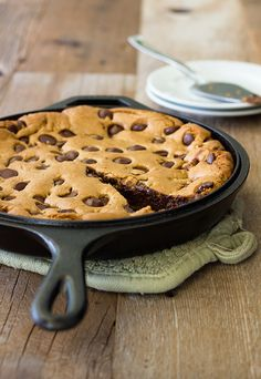Giant Chocolate Chip Cookie in a Skillet   Imagine one of these left out with milk for Santa, instead of your go-to plate of cookies and milk.