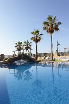 Piscinas | Poolside in Marconfort Beach Club Hotel #Torremolinos #Malaga #CostaDelSol