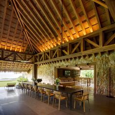 Bernardi + Peschard arquitectura carried out the architecture and interiors of this beach shelter on the Pacific Coast of Guerrero, Mexico. Modern Tropical, Tropical Design, Tropical Houses, Dream Home Design, House Design, Tropical Architecture, Beach Villa, Indoor Outdoor, Pacific Coast