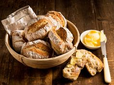 """Vaivaamattomat s?t eli """"y?n yli s? Savoury Baking, Healthy Baking, Bread Baking, My Favorite Food, Favorite Recipes, Finnish Recipes, Our Daily Bread, 20 Min, Baking Recipes"""