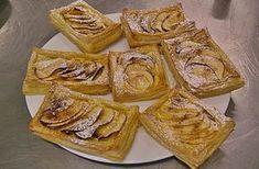 Ingredientes: 1 massa folhada (de compra) maçã q.b. creme pasteleiro canela Estenda a massa folhada e corte rectângulos, faça um pequeno golpe em volta e pincele o bordo com gema de ovo. Entretanto prepare o creme: coloque num tacho 2,5dl de leite,1 ovo e uma gema, 100gr de açúcar e 1 colher de sopa de …