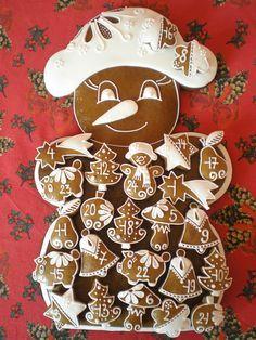 Perníkový adventní kalendář - tvar - sněhulák Gingerbread Cookies, Christmas Cookies, Biscuits, Joy To The World, Vintage Recipes, Fondant, Yummy Drinks, Advent Calendar, Ornament