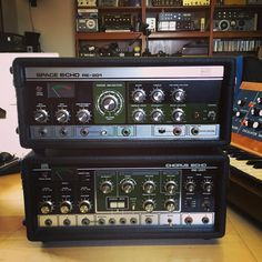 Double vision: just landed - super clean Roland RE-201 Space Echo and RE-301 Chorus Echo.