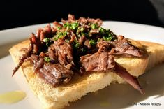 Nejedlé recepty: Peposo - hovězí pečené na pepři Cheesesteak, Ethnic Recipes, Food, Essen, Meals, Yemek, Eten