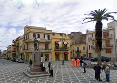 This is the center of town, in Casteldaccia