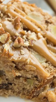 This Praline Apple Bundt Cake is loaded with apples, pecans and covered in a brown sugar praline glaze -- the perfect fall dessert! Apple Desserts, Fall Desserts, Gluten Free Desserts, Apple Recipes, Just Desserts, Dessert Recipes, Apple Bundt Cake Recipes, Apple Cakes, Bunt Cakes
