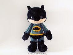 Batman amigurumi pattern http://www.amigurumipatterns.net/Cartoons-and-Games