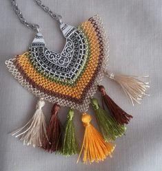 Fancy Jewellery, Diy Jewelry, Jewelery, Jewelry Making, Boho Necklace, Crochet Necklace, Tatting Jewelry, Knit Shoes, Needle Lace