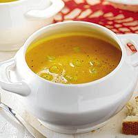 Recept - Pittige wortelsoep met tuinbonen - Allerhande